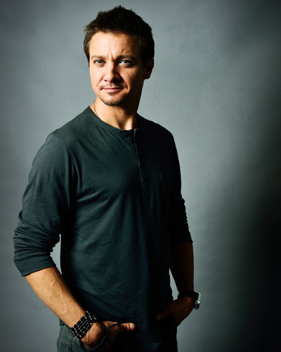 Jeremy Renner height and weight 2016
