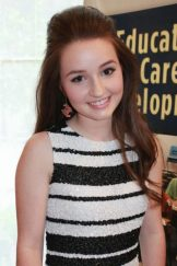 Kaitlyn Dever Upcoming films,Birthday date,Affairs