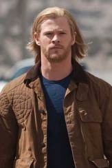 Chris Hemsworth Height, Weight, Age, Biceps Size, Body Stats