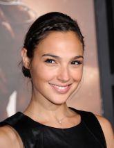 Gal Gadot height and weight 2016