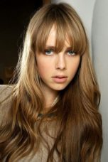 Edie Campbell Bra Size, Wiki, Hot Images