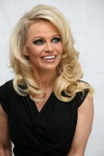 Pamela Anderson Measurements, Height, Weight, Bra Size, Age, Wiki