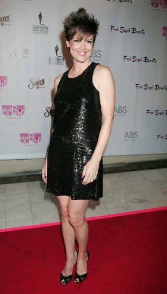 Zoe McLellan Measurements, Height, Weight, Bra Size, Age, Wiki