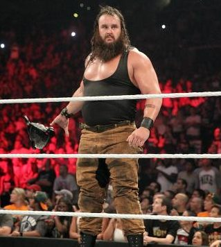 Braun Strowman Chest Biceps size