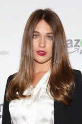 Lola Kirke height and weight 2017