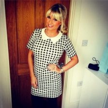 Billie Faiers Bra Size, Wiki, Hot Images