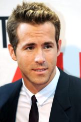 Ryan Reynolds Height, Weight, Age, Biceps Size, Body Stats