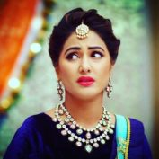 Hina Khan height and weight