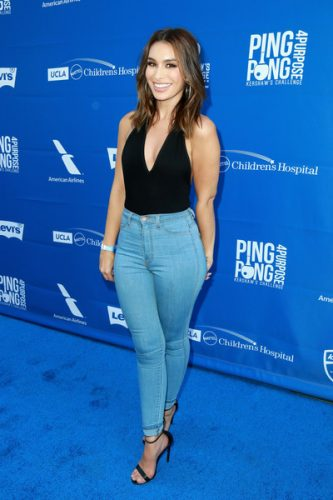 Ashley Iaconetti height and weight