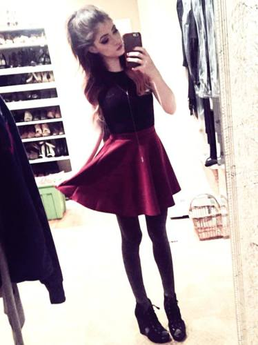 Chrissy Costanza Bra Size, Wiki, Hot Images