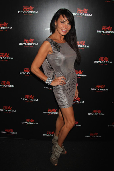Lizzie Cundy height and weight