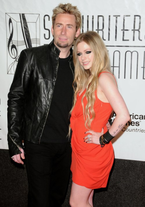 Canada's sweethearts Avril Lavigne & Chad Kroeger marry in France