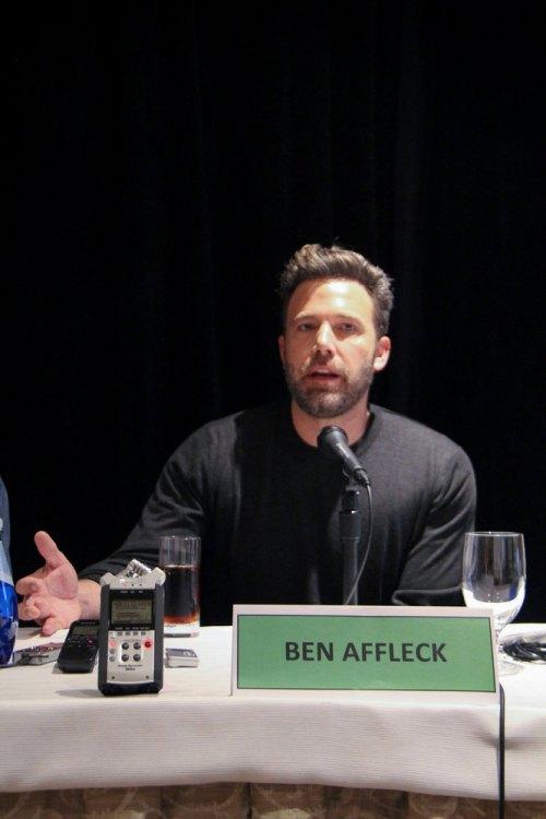 La gente censurata, interviste pubblicate di PR di Ben Affleck alla sua giuncata del ragioniere