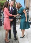 Duchessa Kate ripete un vestito del percalle, fa un discorso sulle mamme che lottano