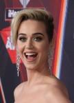 Katy Perry googla il ` Katy Perry caldo quando ha bisogno di una spinta di fiducia