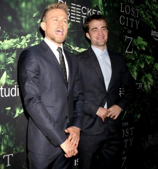 Charlie Hunnam, Brad Pitt & le scintille hanno assistito alla città persa ` della LA prima di Z