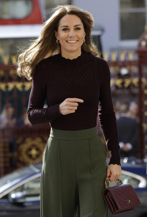 La britannica Kate, The Duchess of Cambridge arriva al Museo di Storia Naturale di Londra, mercoledì 9 ottobre 2019. La Duchessa di Cambridge, Patrona del Museo, ha visitato il Centro di storia naturale Angela Marmont Centre for UK Biodiversity per scoprire come