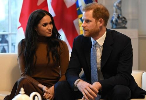 Il principe Harry, il duca di Sussex e Meghan, gesto della duchessa di Sussex durante la loro visita a Canada House, ringraziano per la calorosa ospitalità e il sostegno canadesi che hanno ricevuto durante il loro recente soggiorno in Canada, a Londra il 7 gennaio 2020.