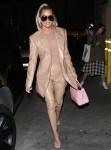 Khloe Kardashian cena al ristorante Carousel di Glendale
