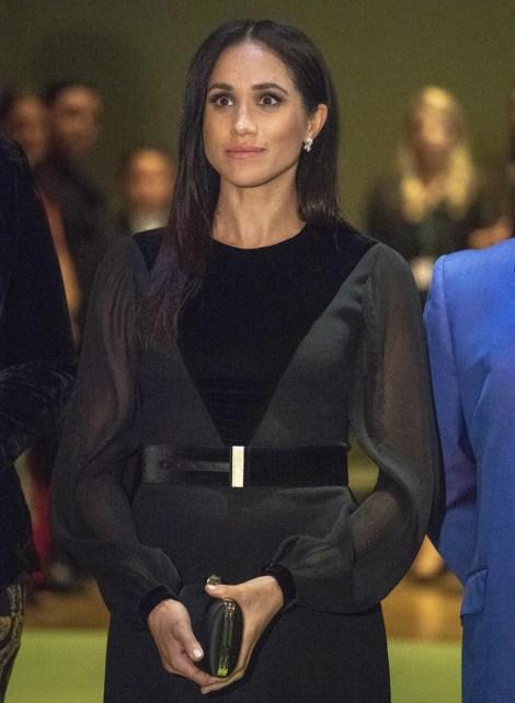 """La duchessa del Sussex ha partecipato all'inaugurazione di """"Oceania"""" presso la Royal Academy of Arts"""
