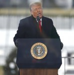 Il presidente Trump fa commenti ai sostenitori in DC per sostenere le affermazioni di Trump di frode degli elettori