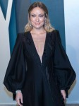 Olivia Wilde partecipa al Vanity Fair Oscar Party presso il Wallis Annenberg Center for the Performing Arts ...