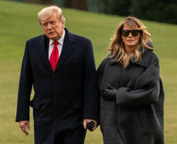 Trump ritorna alla Casa Bianca tagliando le sue vacanze