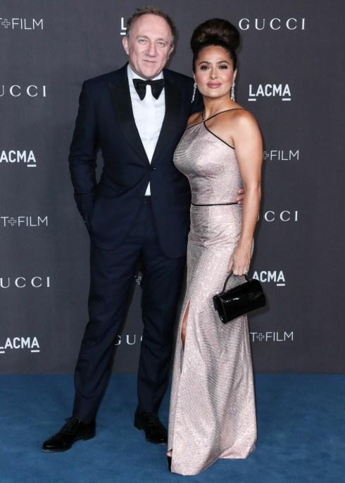 Francois-Henri Pinault e Salma Hayek Pinault arrivano al 2019 LACMA Art + Film Gala che si è tenuto presso il Los Angeles County Museum of Art il 2 novembre 2019 a Los Angeles, California, Stati Uniti.
