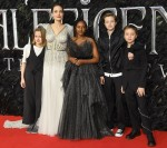 Angelina Jolie e bambini a Maleficent: Mistress of Evil - London Premiere tenutasi all'Odeon BFI IMAX.