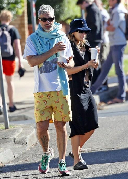 Avviso nuova coppia! Il regista kiwi Taika Waititi e la cantante britannica Rita Ora fanno la loro prima apparizione pubblica in coppia
