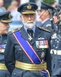 Sua Altezza Reale il Principe Michael di Kent ispeziona la guardia d'onore alla Royal Parade, Royal International Air Tattoo, Fairford, Gloucestershire, Regno Unito