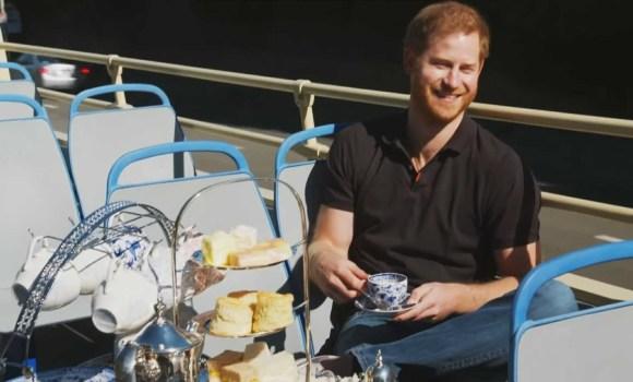 Il principe Harry di Belair? Il principe Harry viene intervistato da James Corden sul bus turistico di Los Angeles
