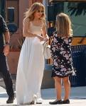 Jennifer Lopez se ne va dopo un incontro alla Windward School di LA