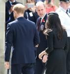 Il principe Harry e Meghan Markle partecipano ai servizi dell'Anzac Day