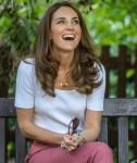 Catherine, duchessa di Cambridge, ascolta le famiglie e le organizzazioni chiave sui modi in cui il supporto tra pari può aiutare a migliorare il benessere dei genitori mentre trascorre la giornata a conoscere l'importanza delle iniziative gestite dai genitori
