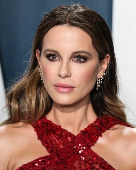 L'attrice Kate Beckinsale arriva al Vanity Fair Oscar Party 2020 tenutosi al Wallis Annenberg Cen...