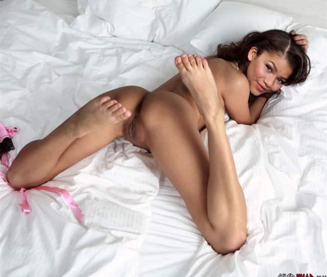 Zendaya Naked