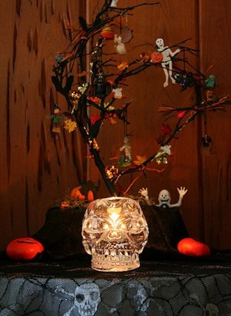 Haunted Halloween Trees- Decorating Tips for Halloween