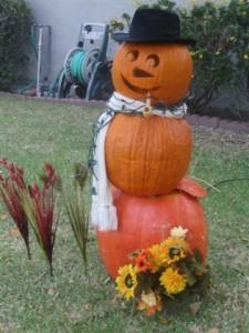 Halloween Pumpkin Snowmen - Outdoor Halloween Decorations