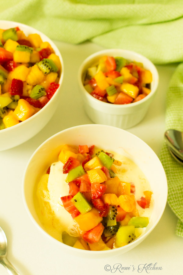 Fruits served with ice cream