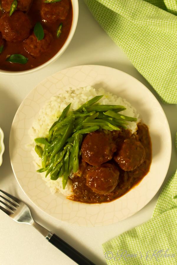 Sri Lankan meatball curry