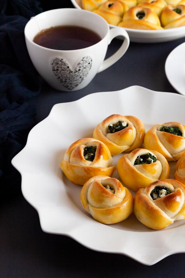 Spinach and feta bread rolls