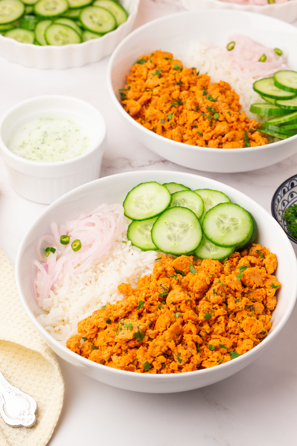 Healthy chicken and rice bowls