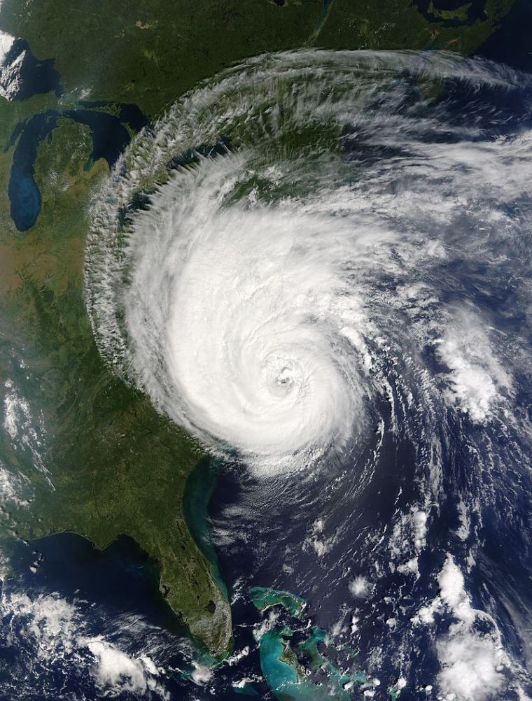 800px-hurricane_isabel_18_sept_2003_1555z