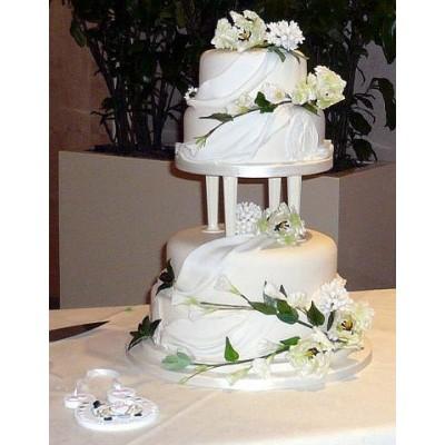 Cake Pillars For Wedding Cakes Wedding Cake Pillars And Plates On