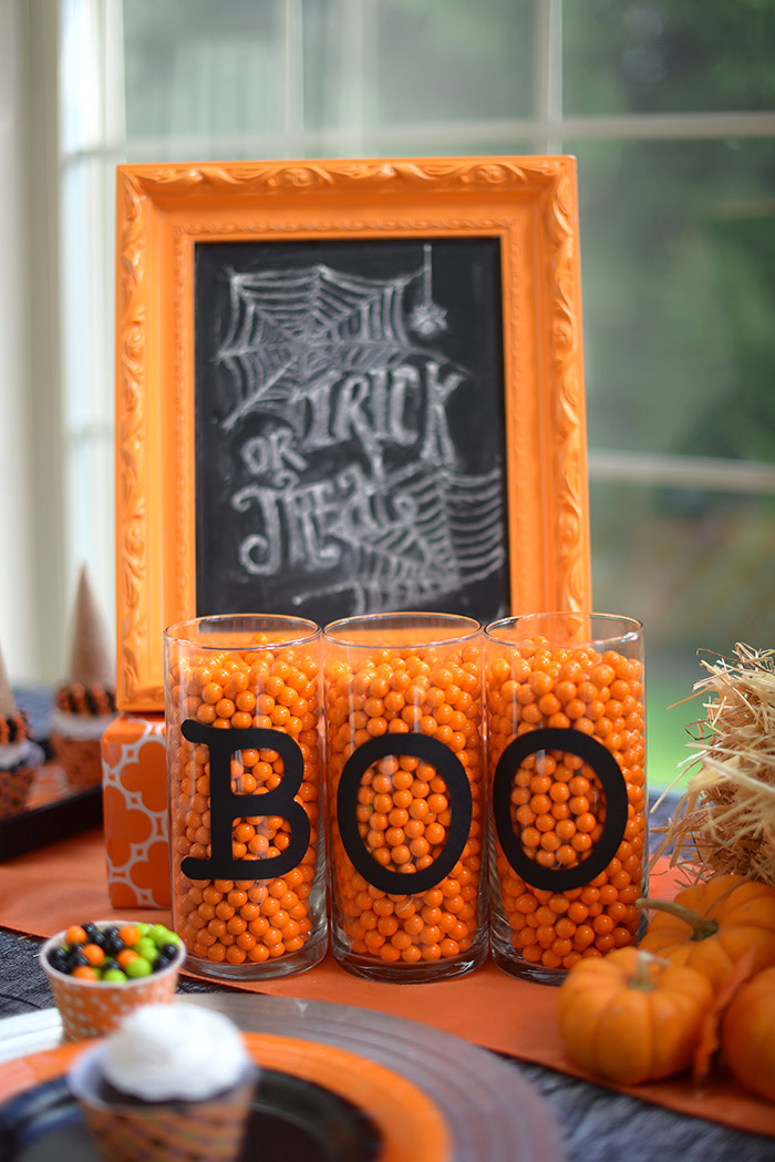 Halloween Chalkboard and Boo Letters - adorable decor!
