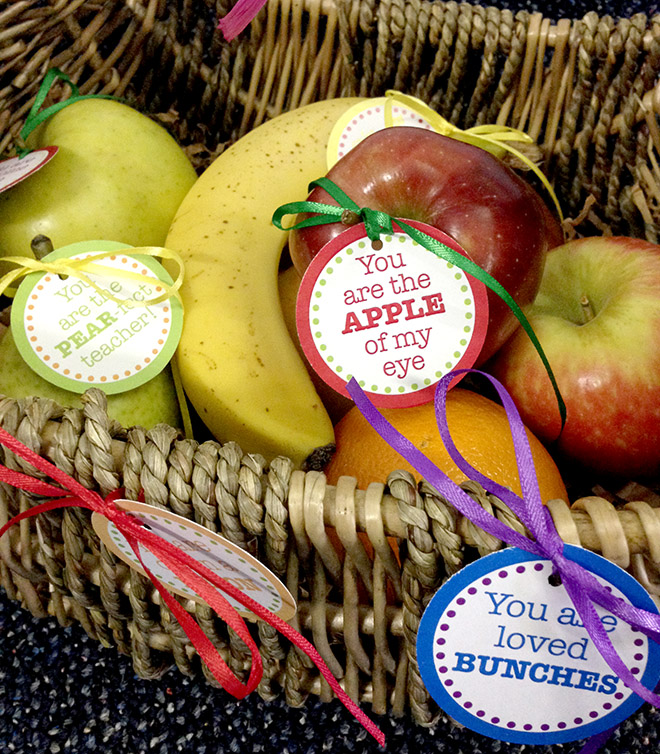 Teacher Appreciation Gift Idea + FREE Printable Tags for Fruit Baskets!