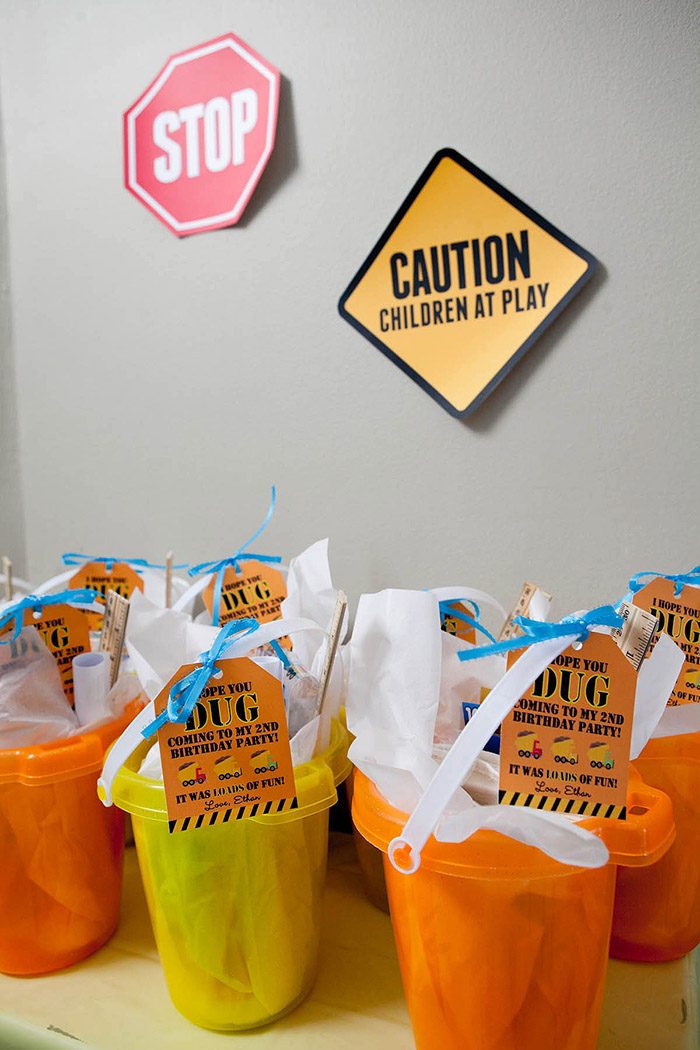 Construction Birthday Party  Ideas and Printables| www.celebrationlane.com