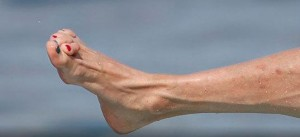 Whats Wrong With Steven Tylers Feet Besides The Toenail