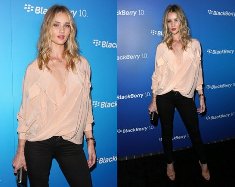 Rosie Huntington-Whiteley in Funktional Software Fold Front Blouse